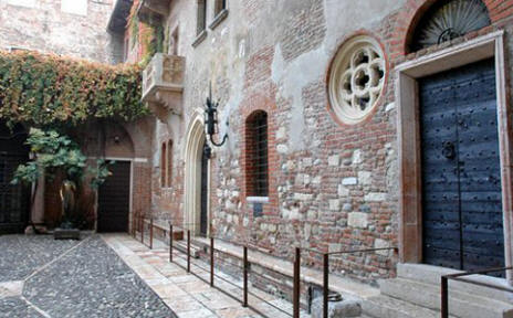 A Visit To Juliet S House In Verona